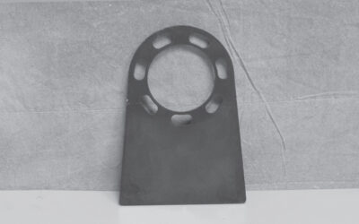 LATE 425166 CHARLYNN MOUNTING BRACKET